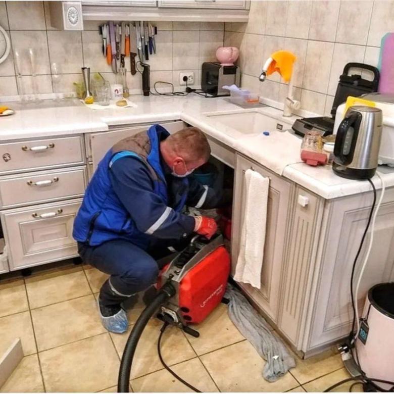 чистка внутренней канализации